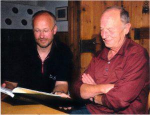 Johannes M. Faimann mit dem Autor Hubert Stecher.